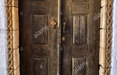 Beautiful House Gate Pictures Beautiful Entrance Door To The Old Beautiful House Stock