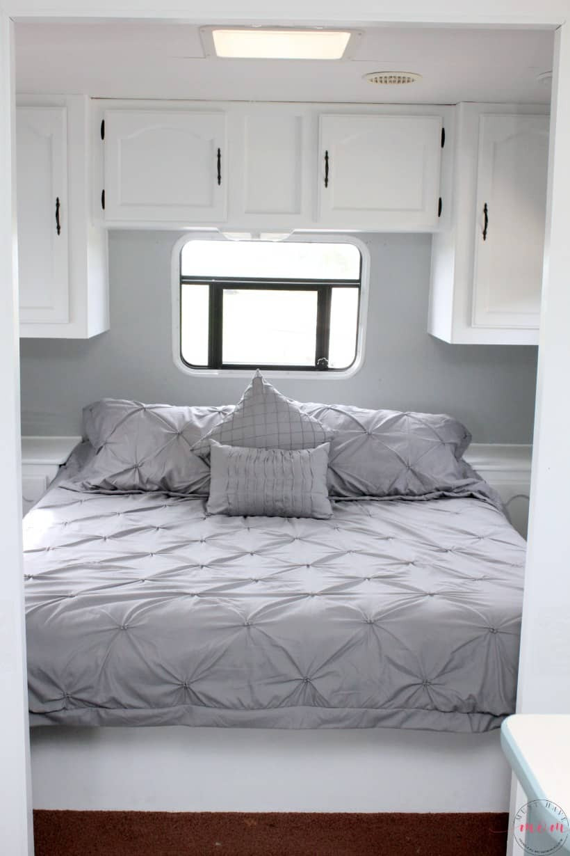 RV bedroom makeover painting