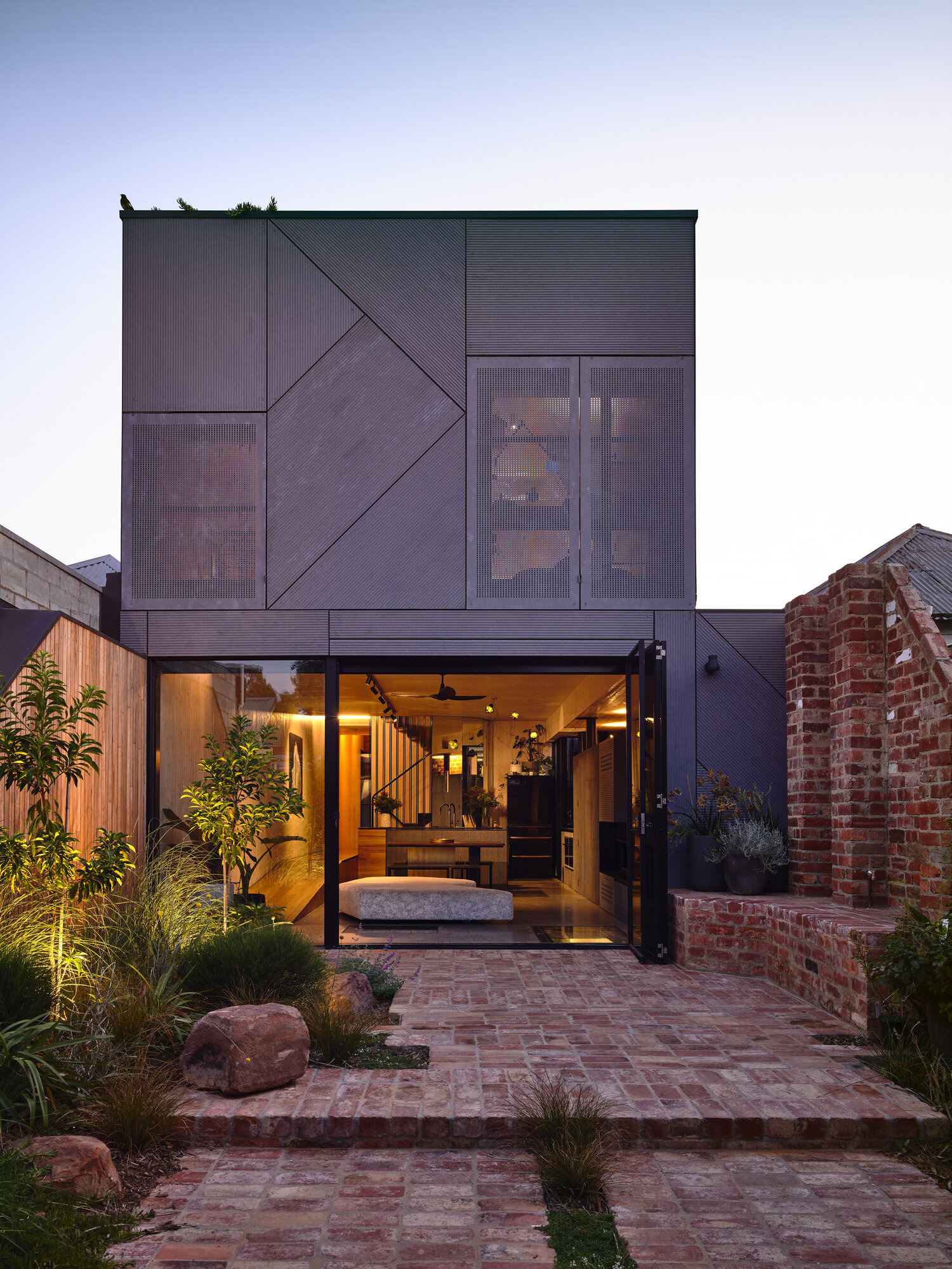 How to Build An Affordable Modern House Unique Austin Maynard Architects