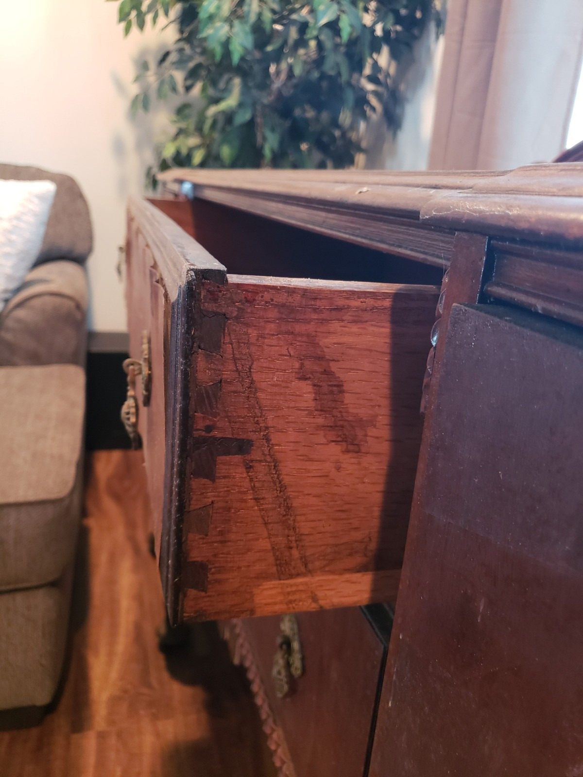 I Want to Sell My Antique Furniture Unique Finding the Value for Your Antique Furniture