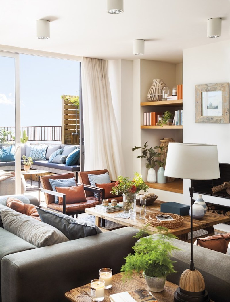 Barcelona duplex with a huge terrace adjacent to the living area