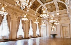 Inside Of Beautiful Mansions Beautiful Kind Of Insane Ke A Castle Ballroom