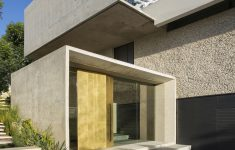 Modern Glass Houses Architecture Luxury Concrete And Glass House Modern City Villa By Arrcc On
