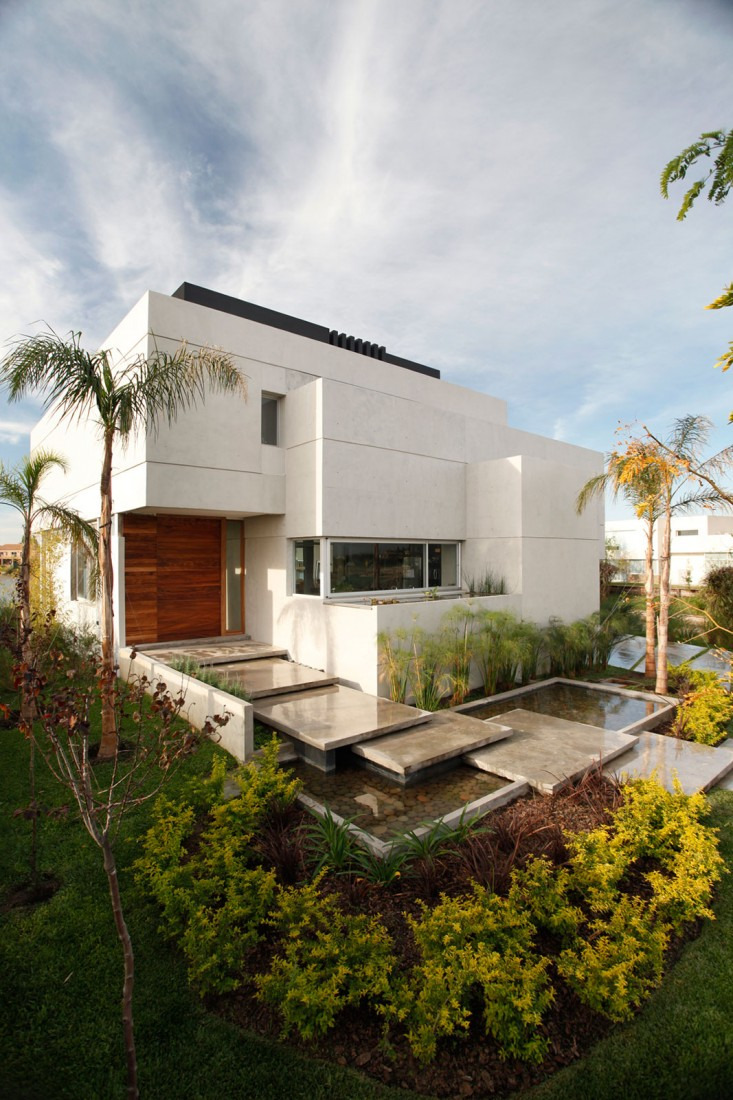Top 50 Modern House Designs Ever Built featured on architecture beast 27