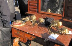 People Who Buy Antique Furniture Elegant Paris France People Shopping In French Flea Market