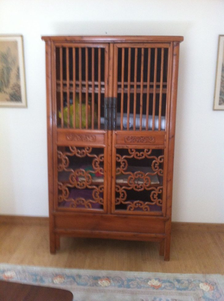 Places that Buy Antique Furniture Near Me 2021