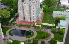 Public Pools Salt Lake City Fresh Mormonism In Temple Square Attracts Millions Of