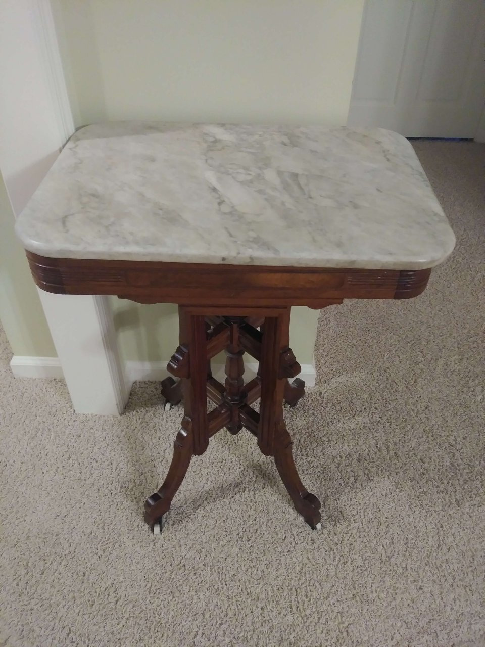 im ting ready to sell my marble top table and have no idea of its valu