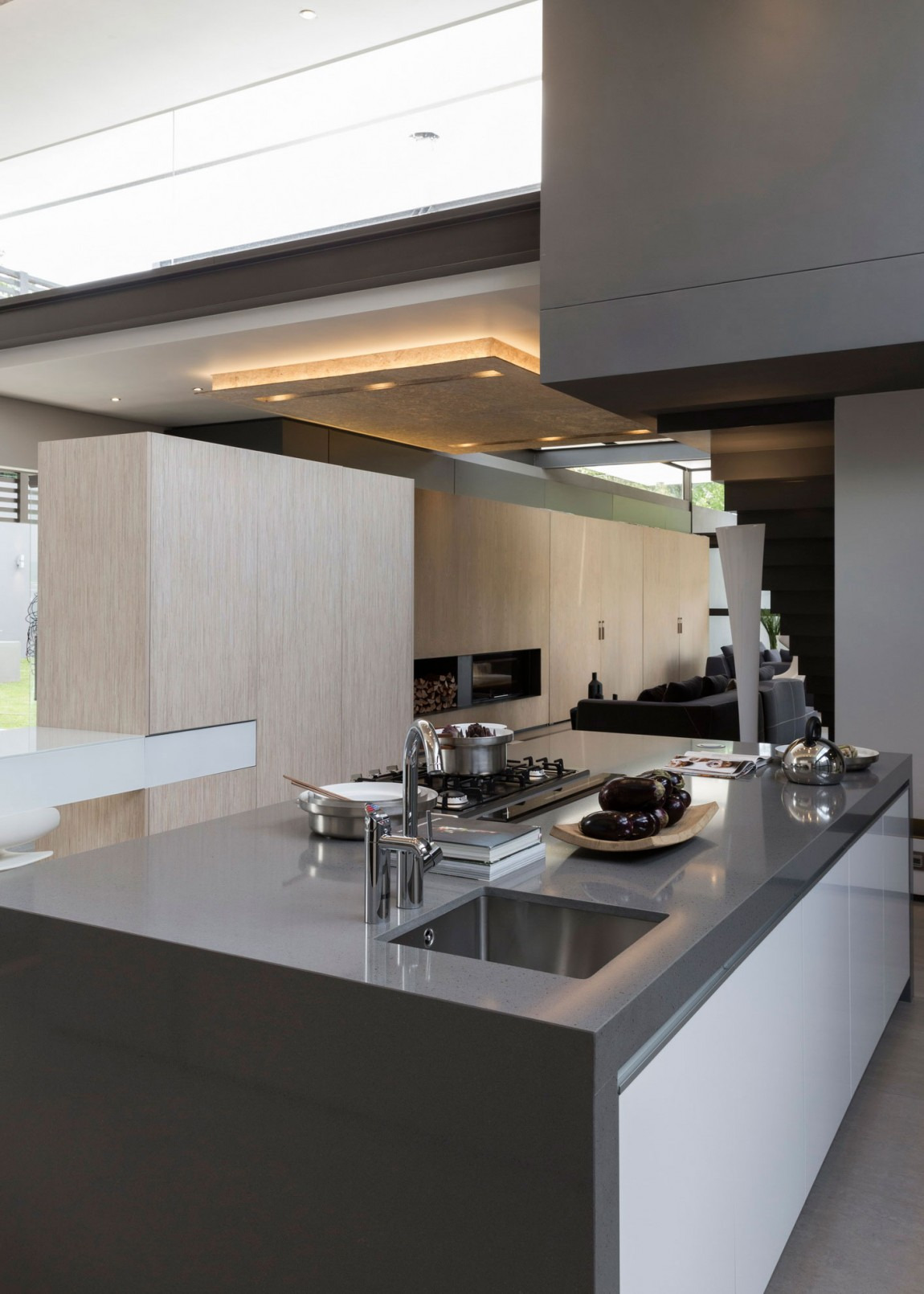 Single Story Modern House Design House Sar by Nico van der Meulen Architects on Architecture Beast 17