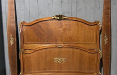 Antique Mahogany Bedroom Furniture Elegant Antique Bed In Mahogany With Bronzes Beds Bedroom Suites