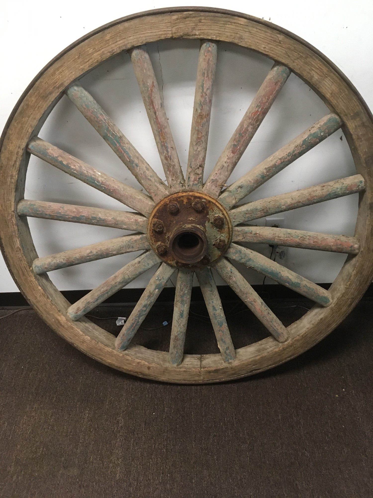 antique wagon wheel id=