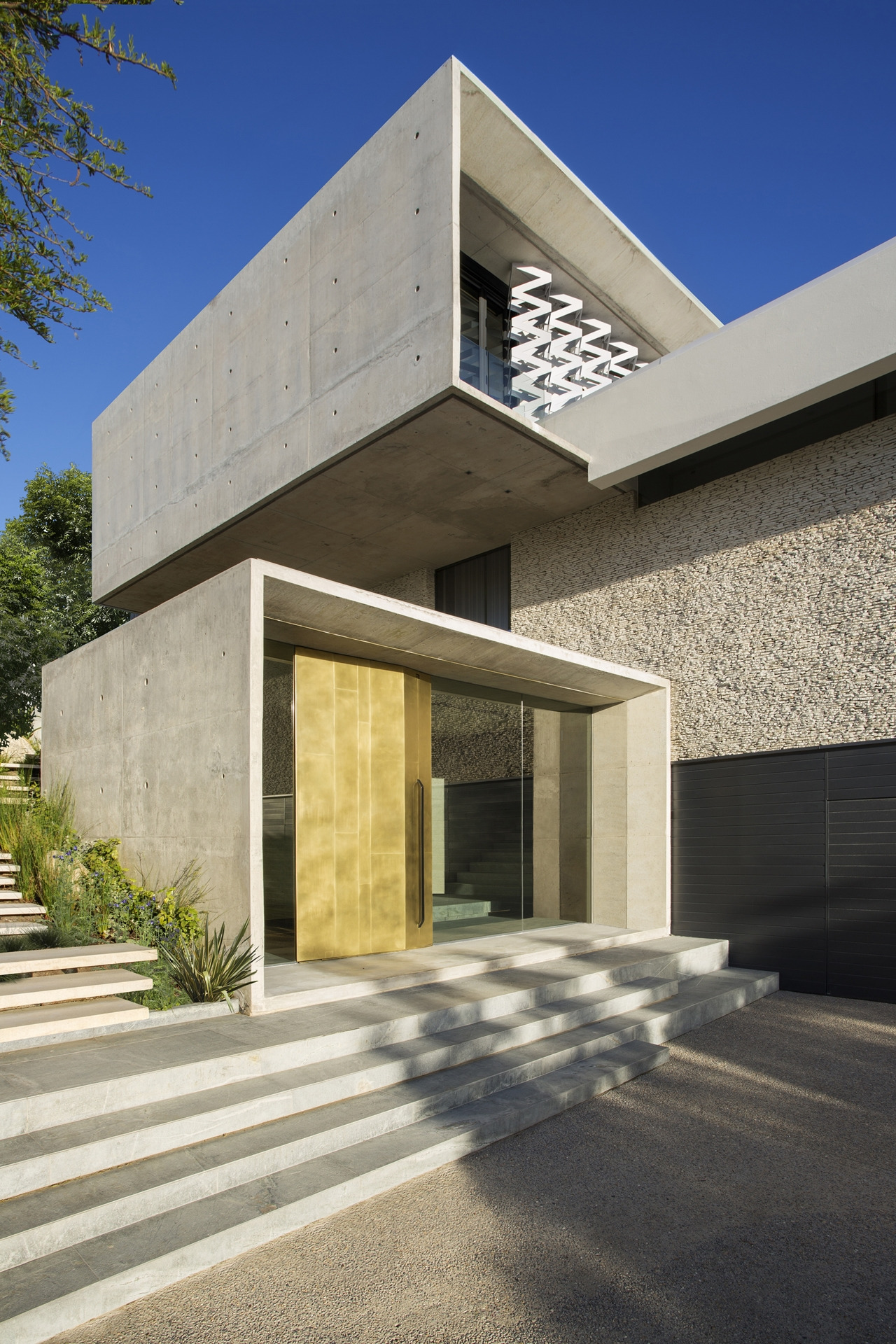 Concrete And Glass House Modern City Villa by ARRCC on Architecture Beast 05