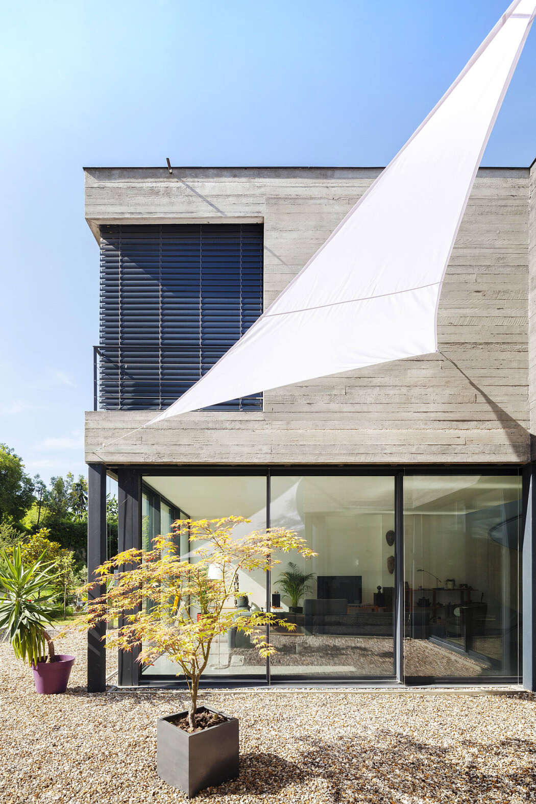 Concrete and Glass House Inspirational Concrete and Glass House by Skp Architecture