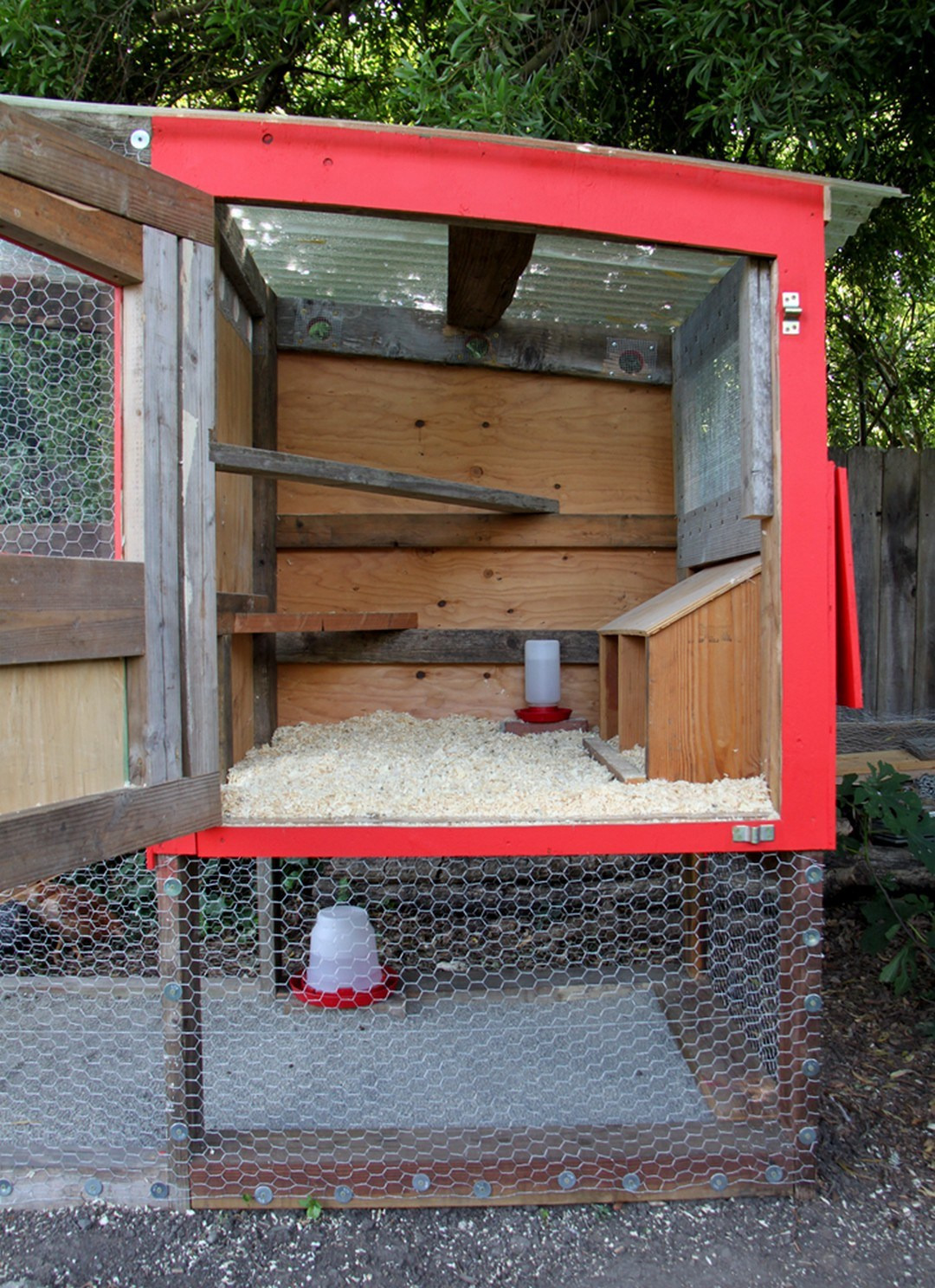 Simple and Easy Backyard Chicken Coop Plans 1