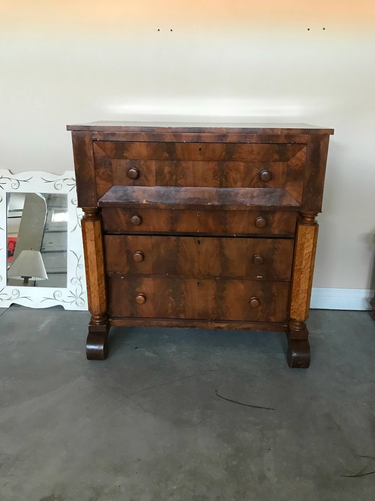 identifying an antique chest 1 x5