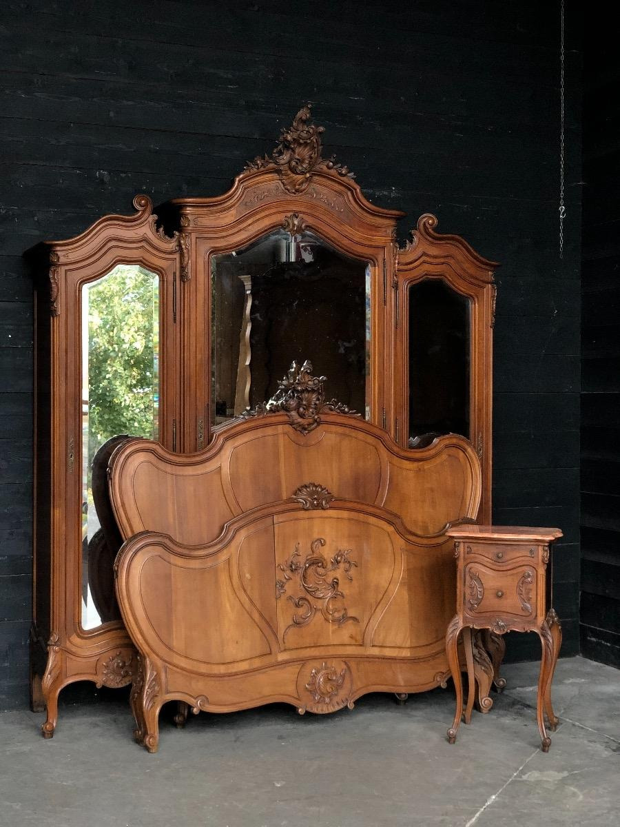 antique walnut french louis xv bedroom suite max