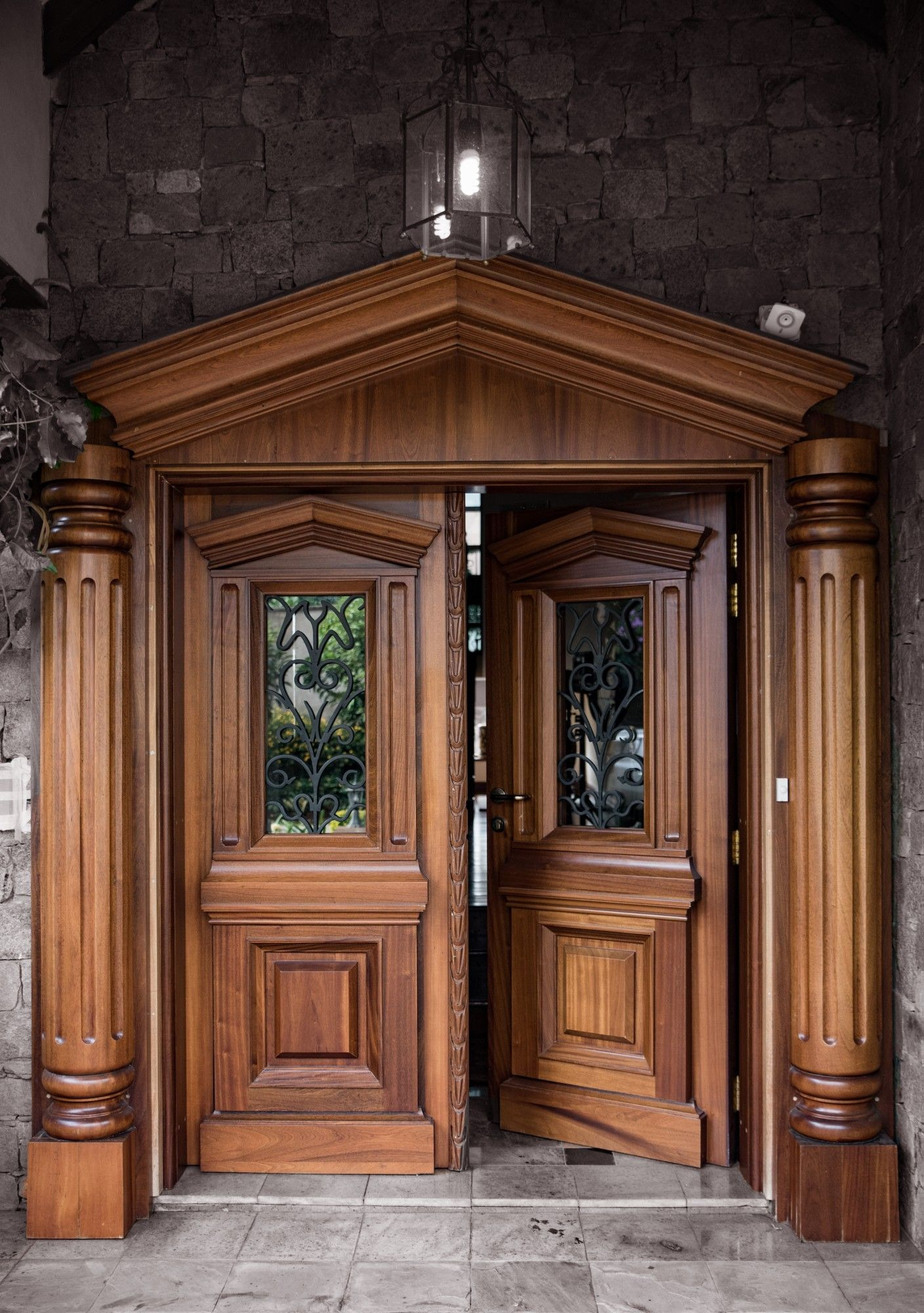 House Main Gate Arch Design Luxury Our solid Mahogany Door with Bulletproofing Internals