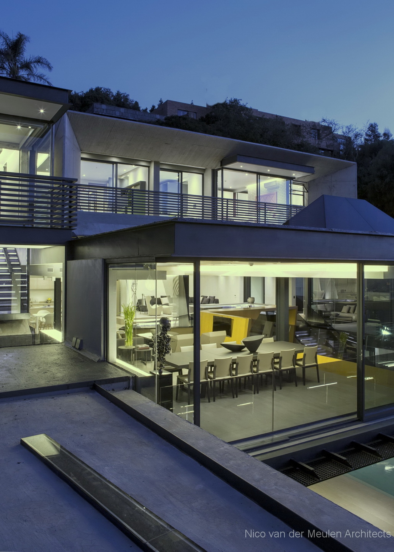 Houses Designed by Famous Architects Beautiful Pretty Houses Stunning Modern Hillside Home Architecture