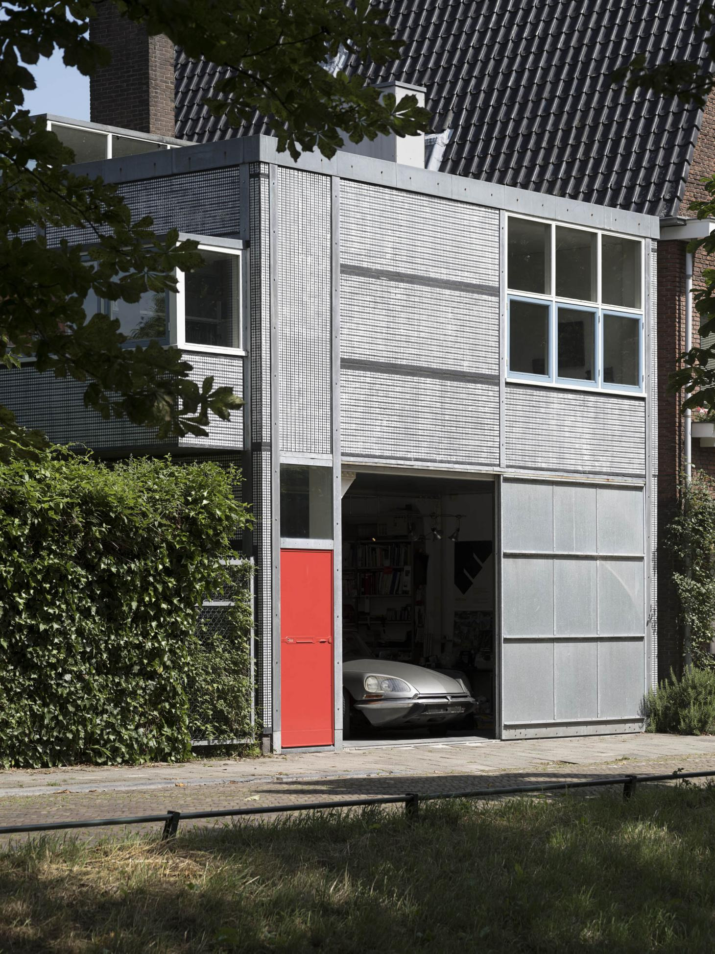 Houses Designed by Famous Architects Lovely Graphs Of 20 Houses by Gerrit Rietveld