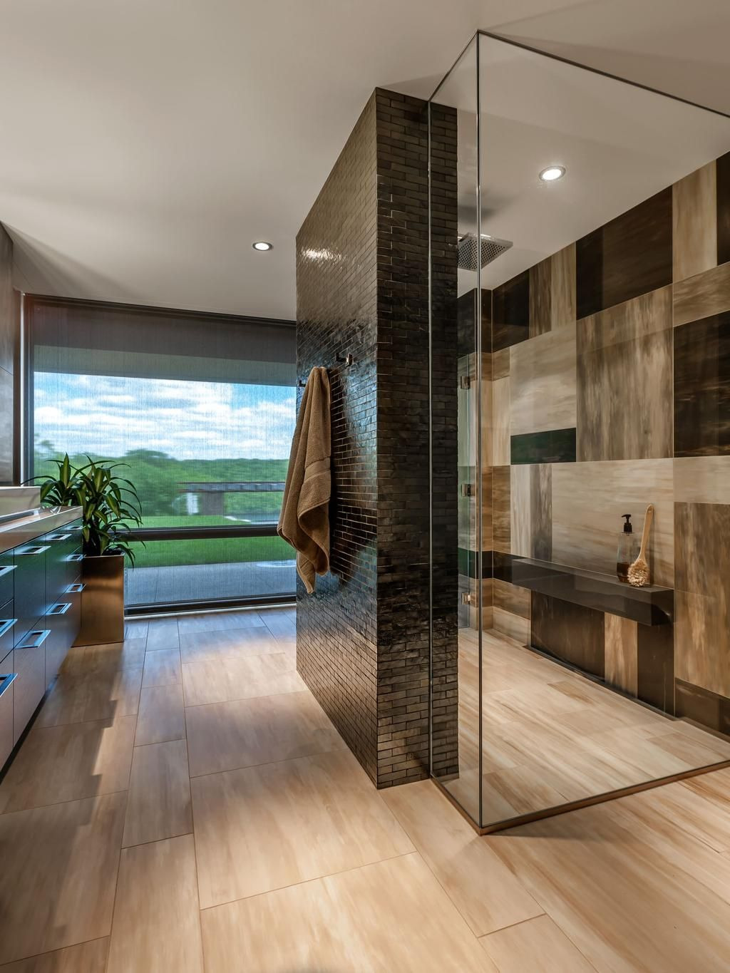 Large Walk In Shower Designs Beautiful Stunning Bathroom with A Large Walk In Shower Surrounded by