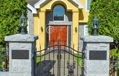 Luxury Home Entrance Gates New Entrance Luxury Family House With Cast Iron Gates In