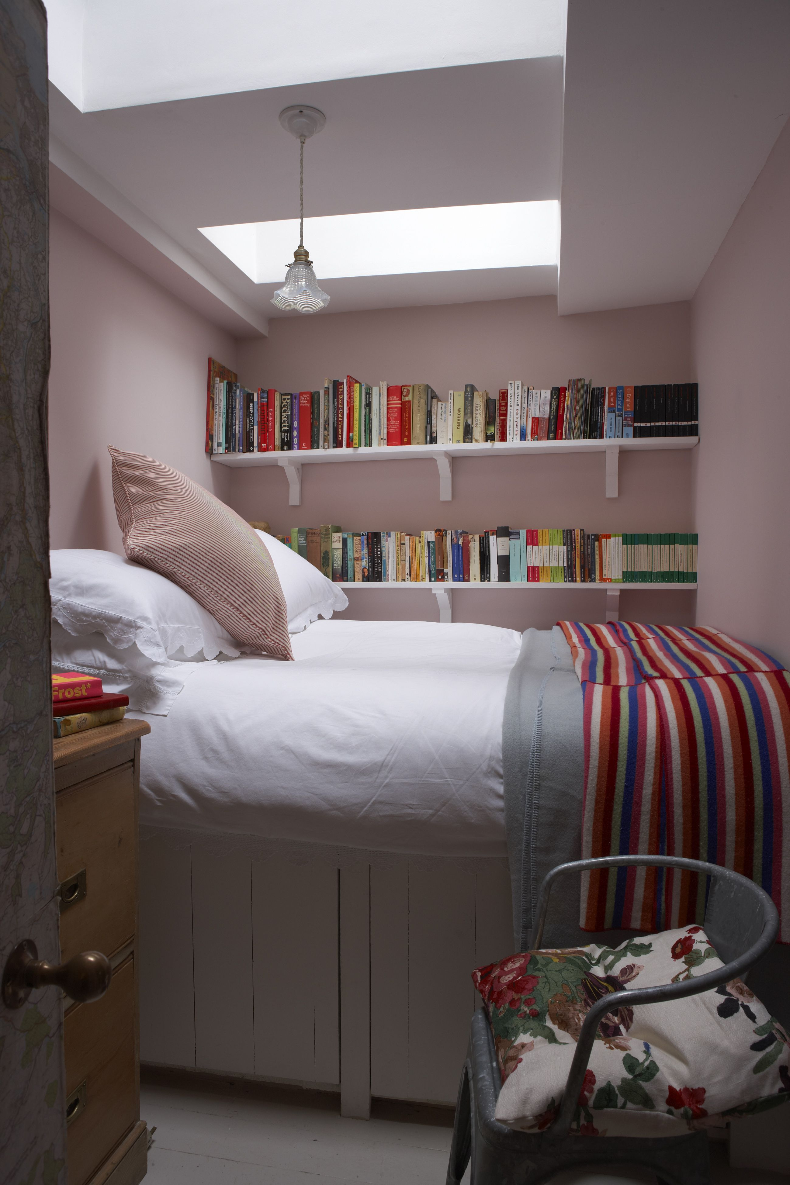 Modern Bedroom Ideas for Small Rooms Lovely 18 Small Bedroom Ideas to Fall In Love with – Small Bedroom