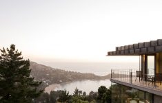 Modern House With View Elegant An Isolated Hillside House In The Forest Overlooking