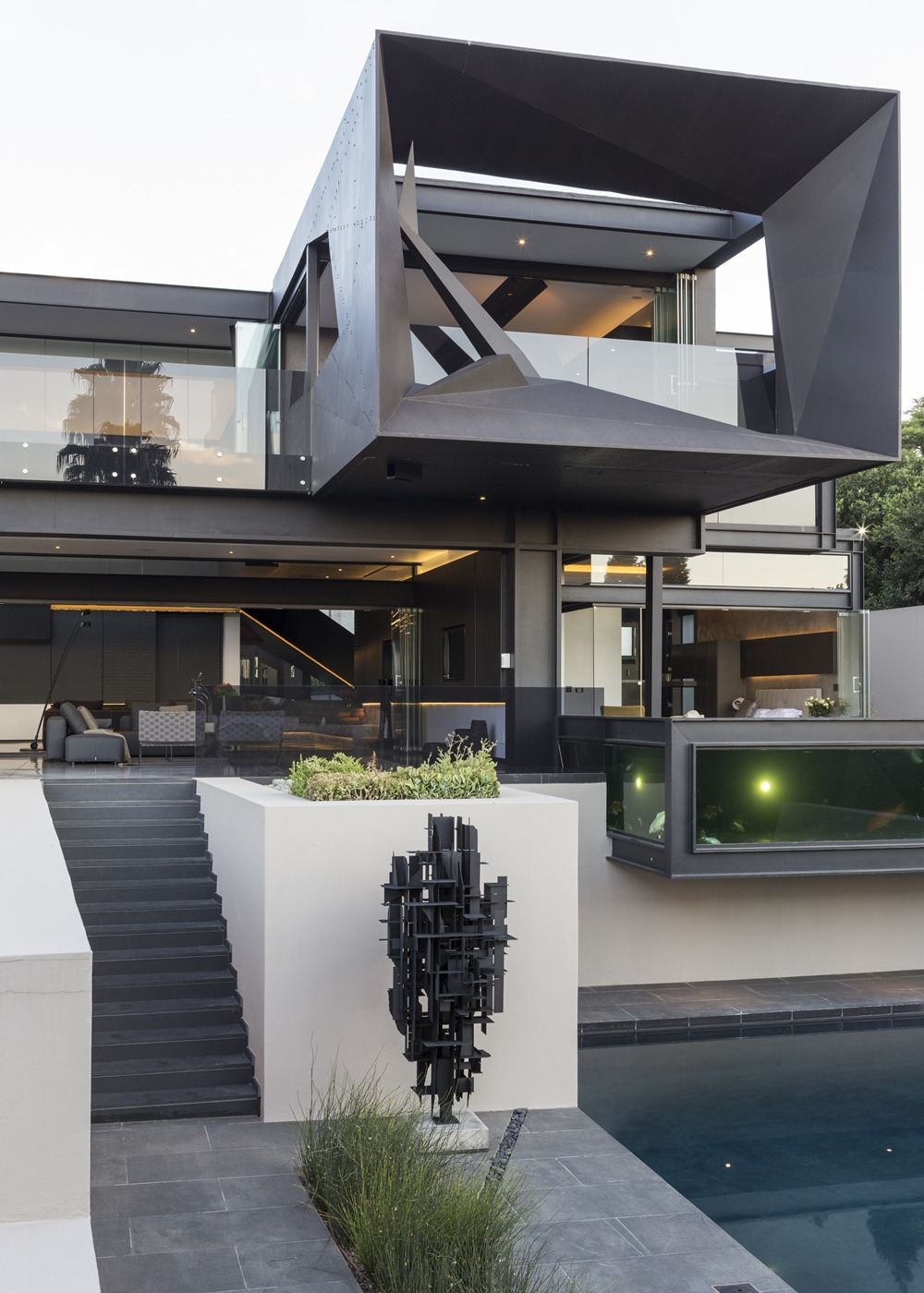 Best Houses in the World Amazing Kloof Road House featured on architecture beast 01 6