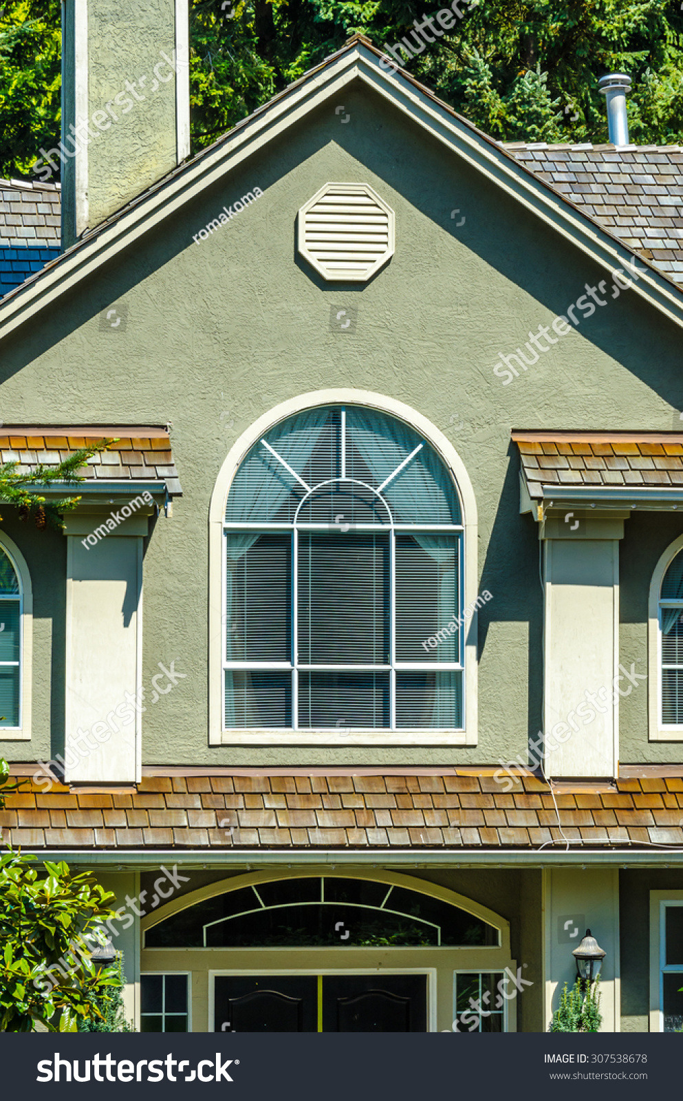 Nice Looking Houses Pictures Fresh Nice Looking Windows Roof House Stock Edit now