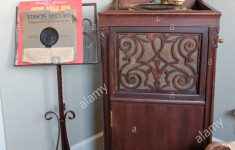 Record Player Furniture Antique Beautiful Antique Record Player Stockfotos & Antique Record Player