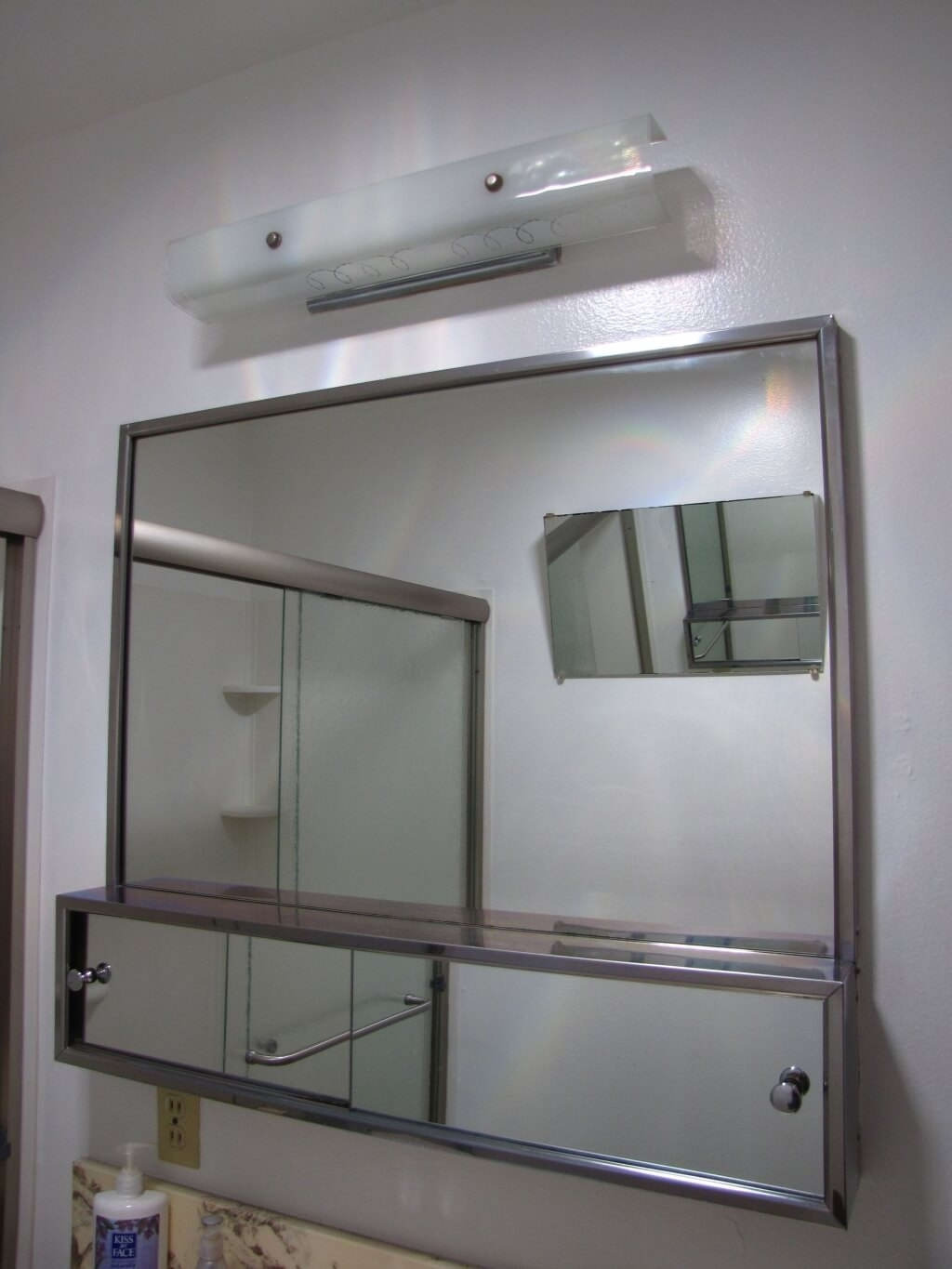 sliding door bathroom mirror cabinet
