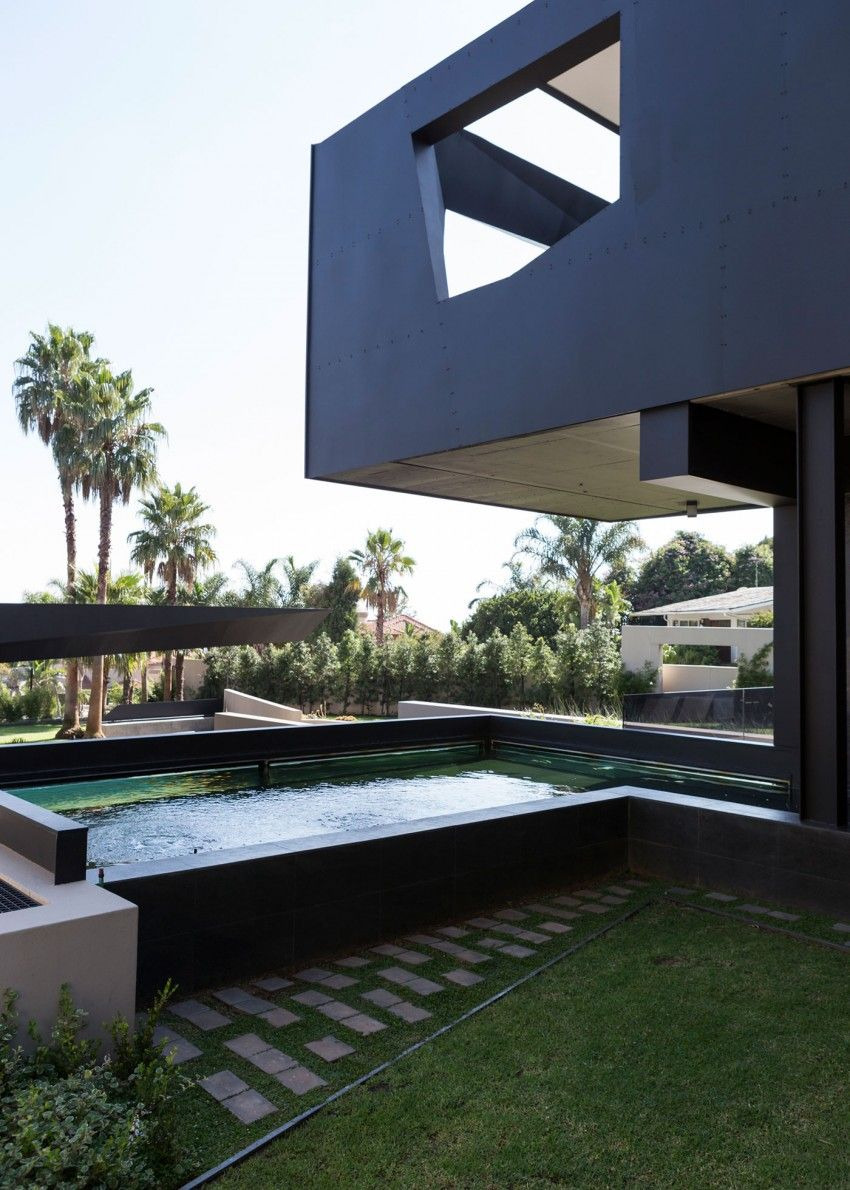 Modern sspacious home with pool in black