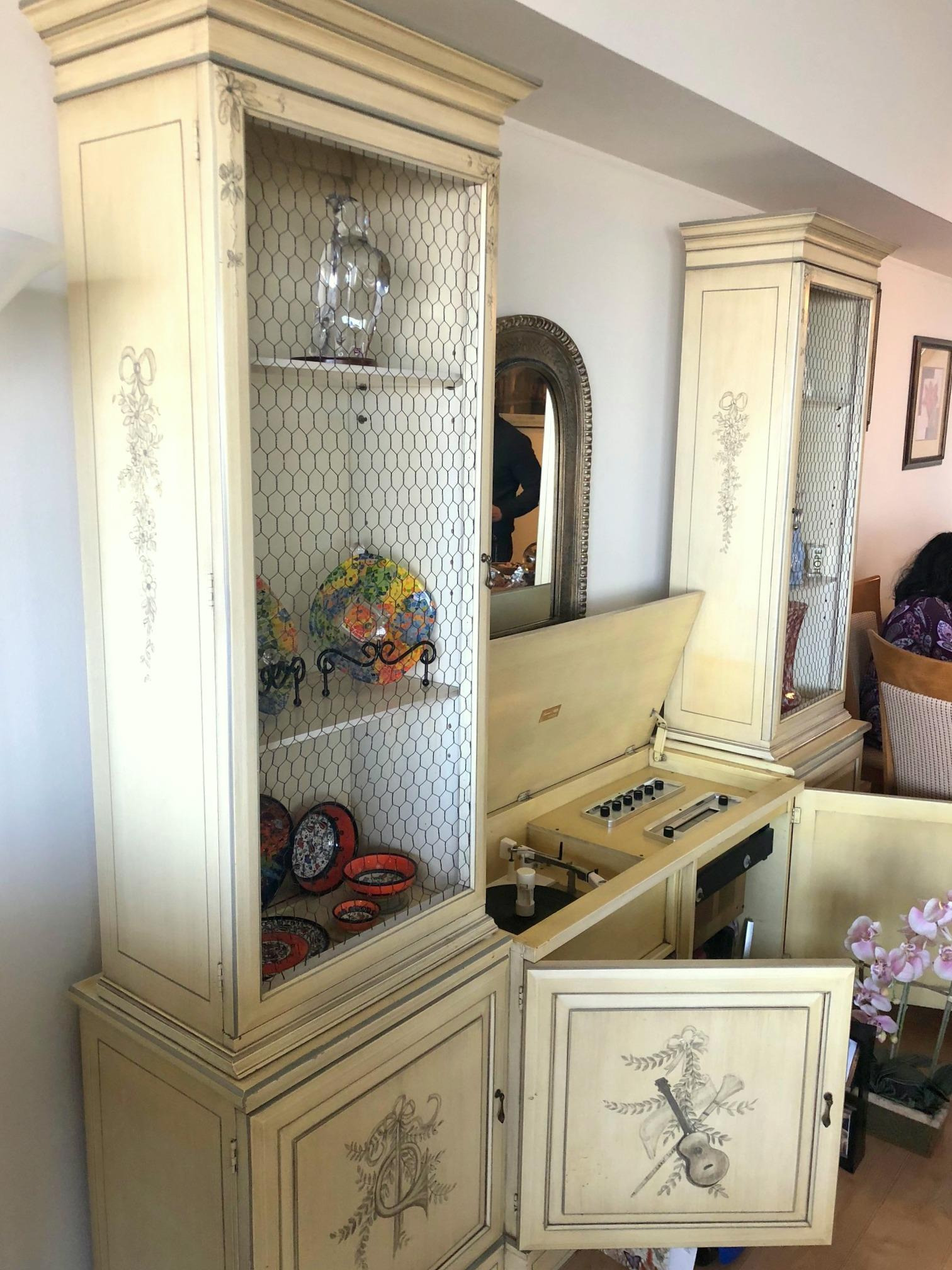 Union Furniture Company Antiques Elegant Antique Union National Fine Furniture Credenza with Built In