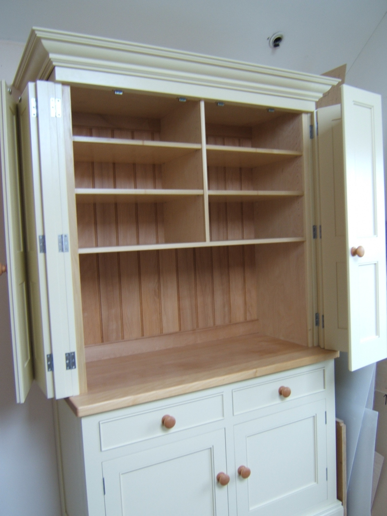 painted folding door cabinet 004
