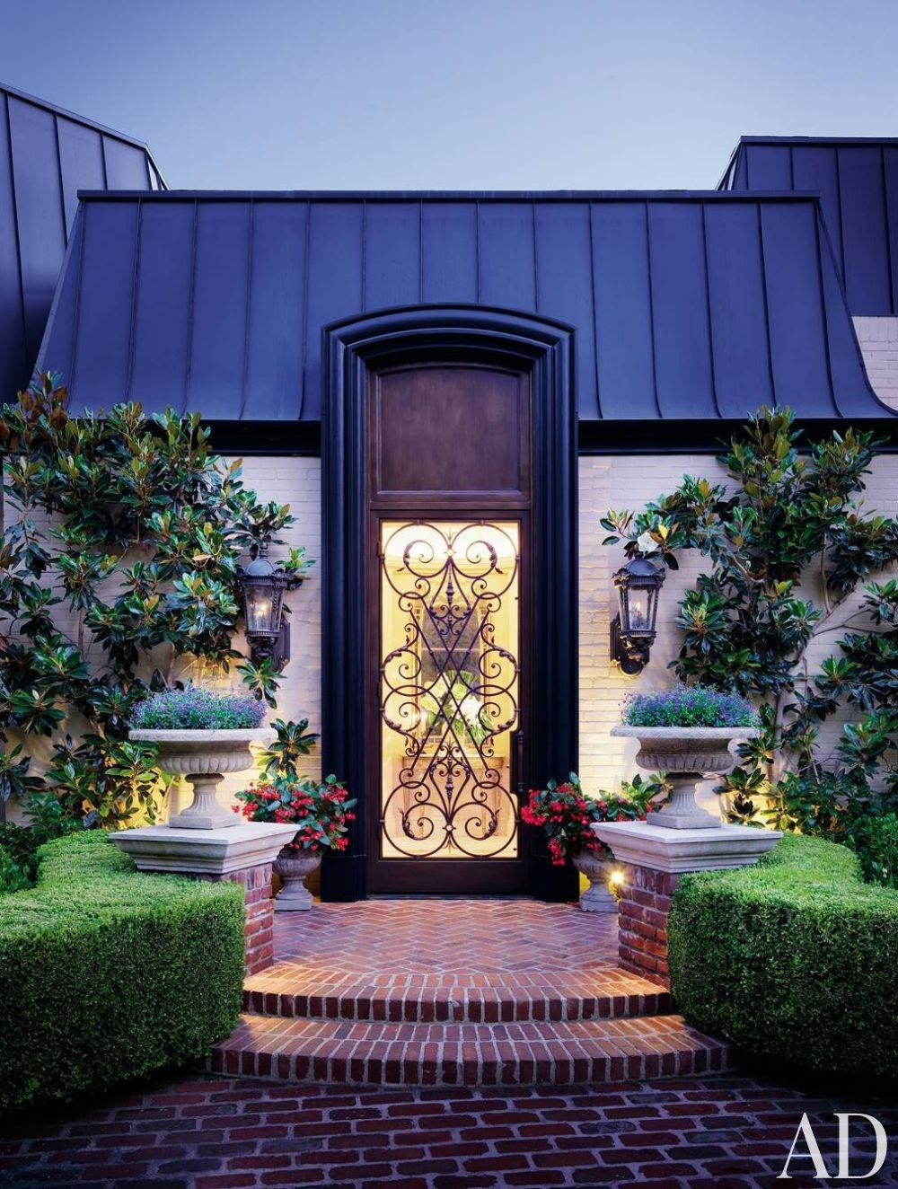 traditional exterior donna livingston beverly hills california 1000 watermarked