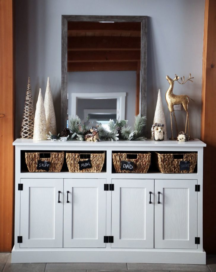 Console Cabinet with Doors 2020
