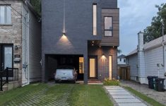 Modern House Picture Gallery Beautiful Toronto S Totem House Built Around Vertical Art Gallery