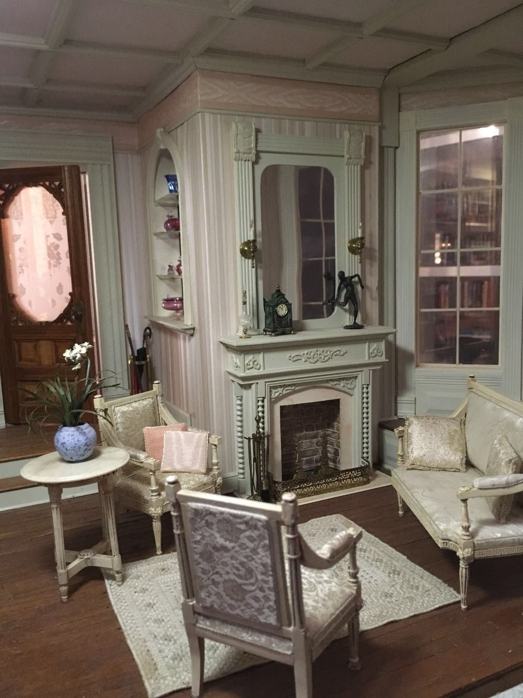 Victorian Doll House Plans Beautiful Victorian Style Dollhouse Mansion Oh so Tiny