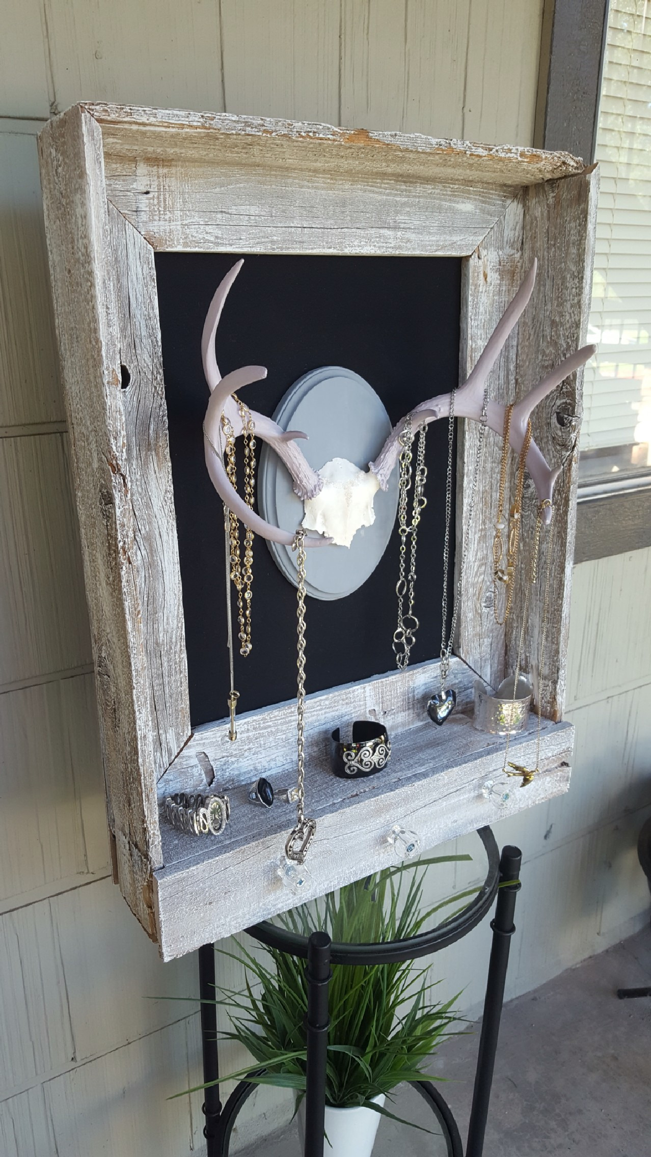 Awesome Rustic Deer Antler Decor Ideas Picture 36