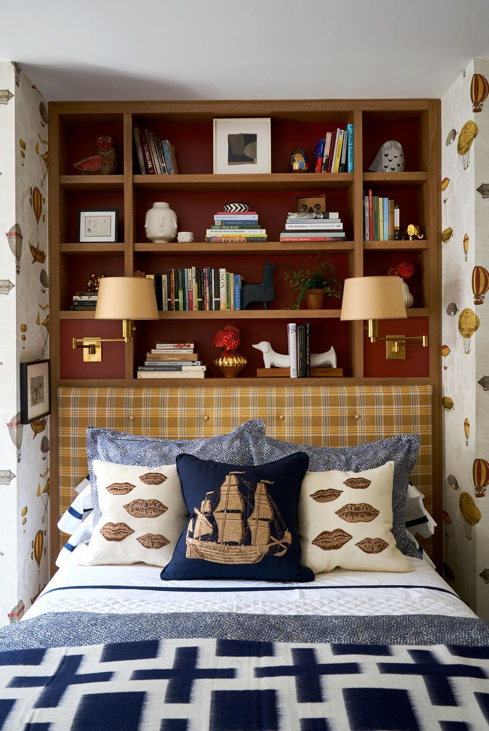 Beautiful Small Bedroom Ideas New 25 Small Bedroom Design Ideas How to Decorate A Small Bedroom