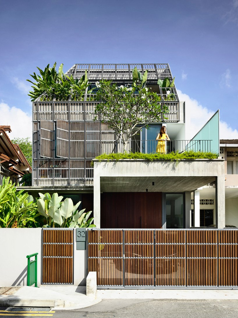 Best Architect House Designs Unique Hyla Architects Wraps House In Singapore In Operable Fa§ade
