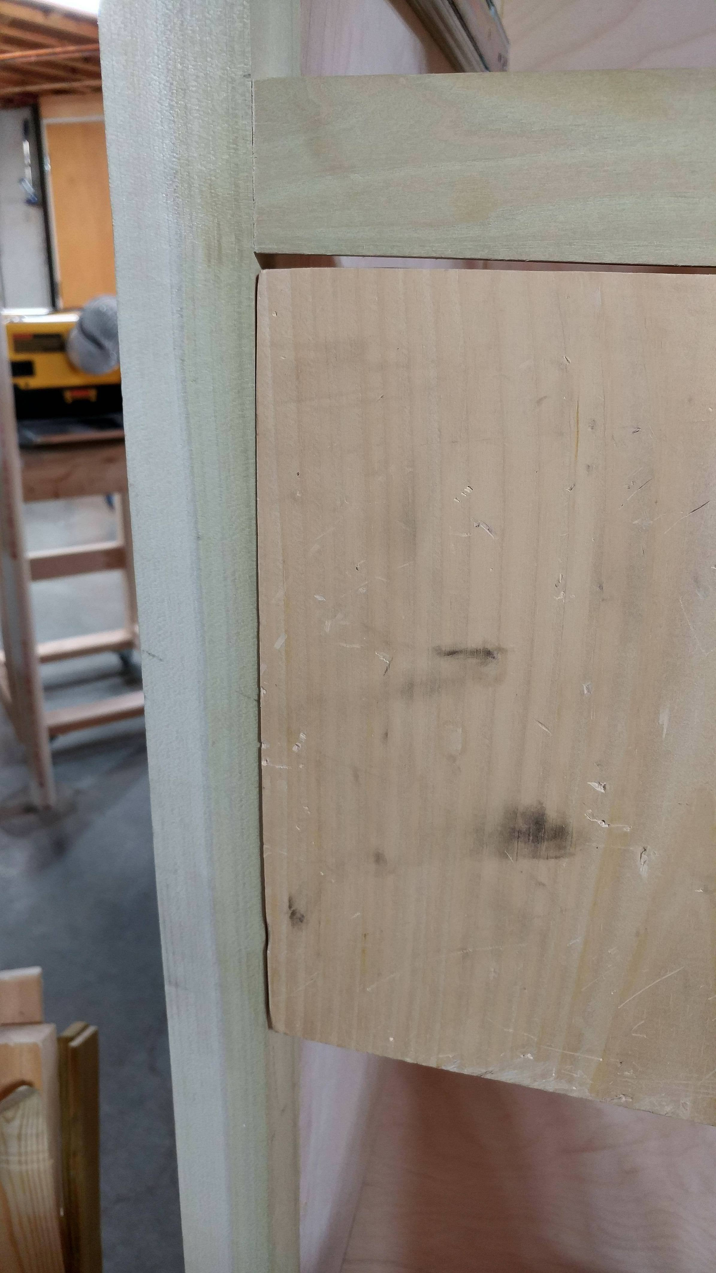 what type of hinge do i need for a flush cabinet