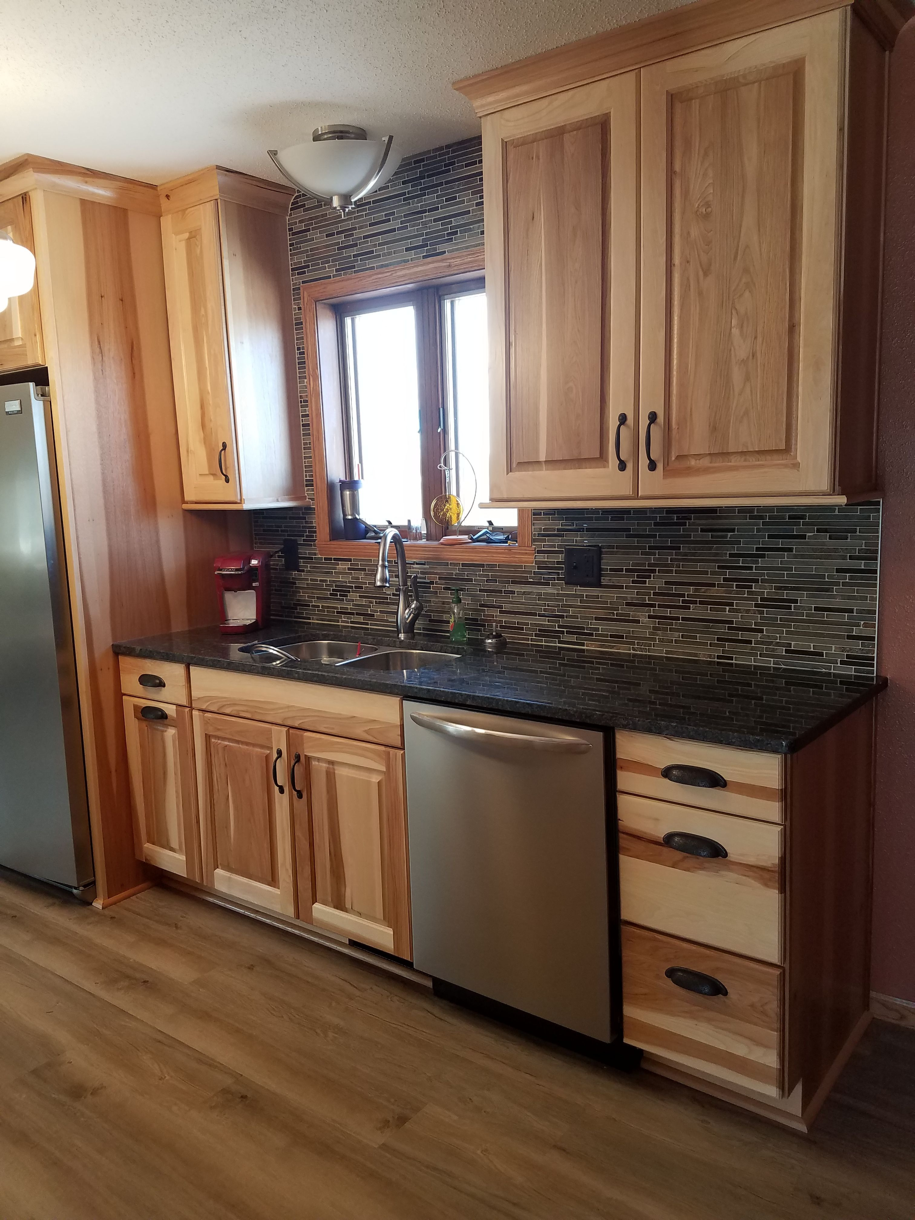 """Hickory Cabinet Doors Awesome Natural Hickory Cabinets with """"silver Pearl"""" Granite"""