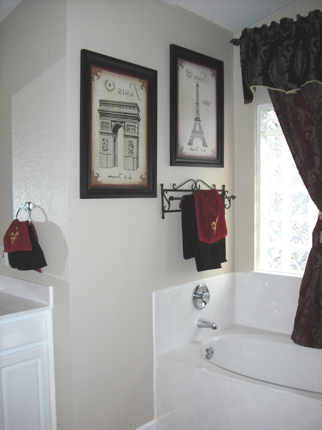 paris themed bathroom decor design ideas and decor in image of paris bathroom decor decorations bathroom images bath decor ideas