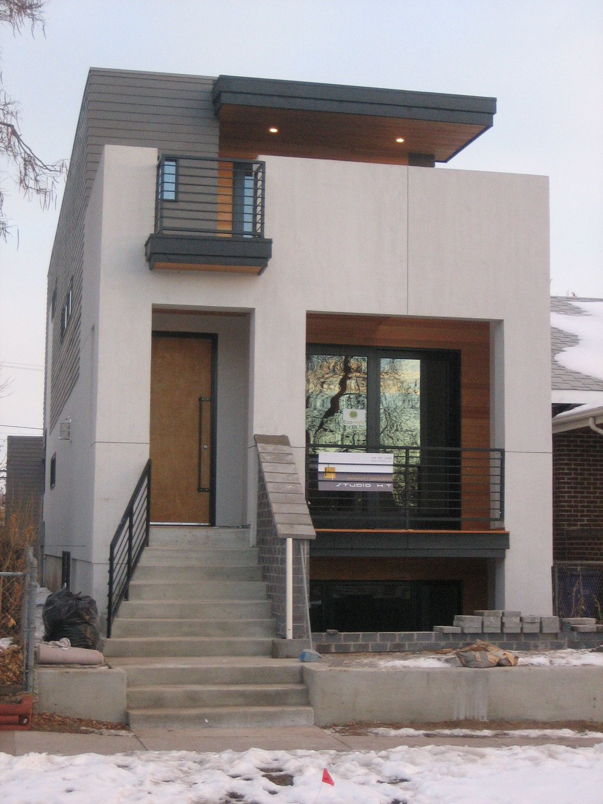 Pictures Of Small Modern Houses Best Of Small Modern House Design with White Wa Using