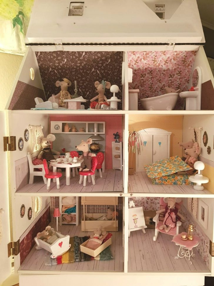 Plan toys Doll Houses 2021