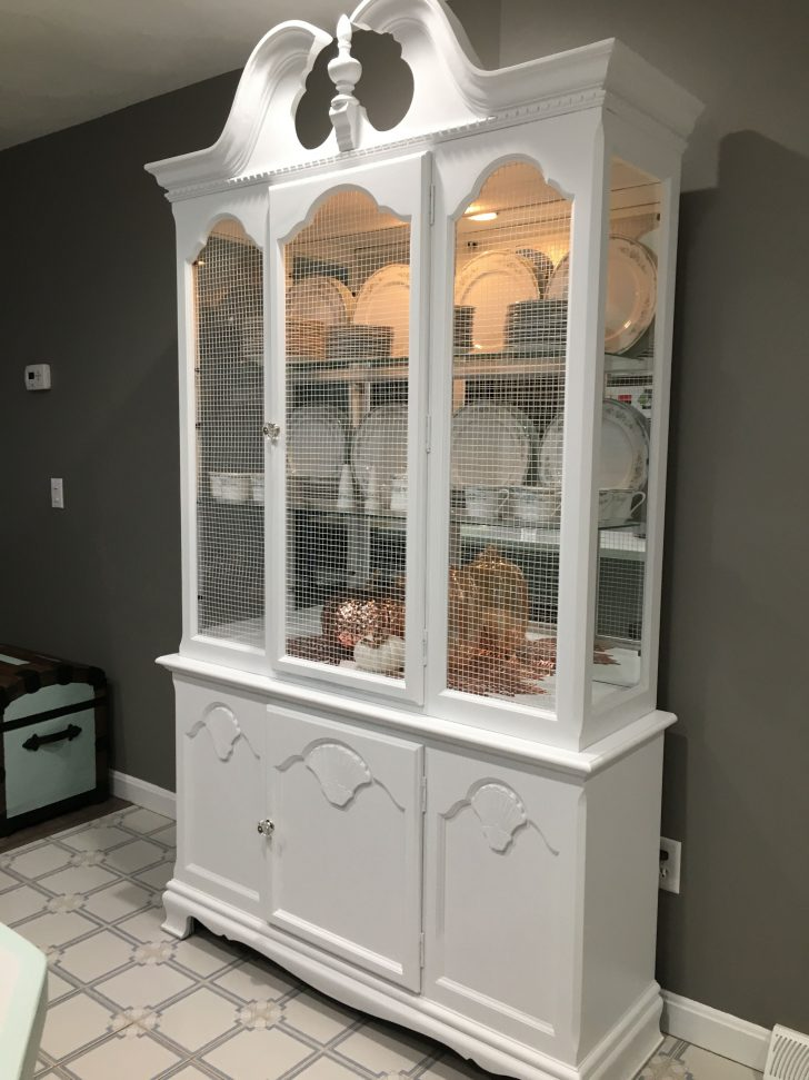White China Cabinet with Glass Doors 2021
