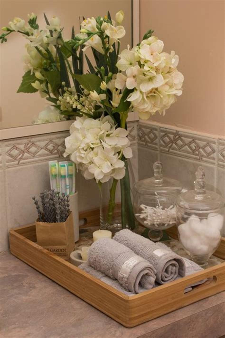 40 Beautiful Bathroom Vanity Tray Decor Ideas 3