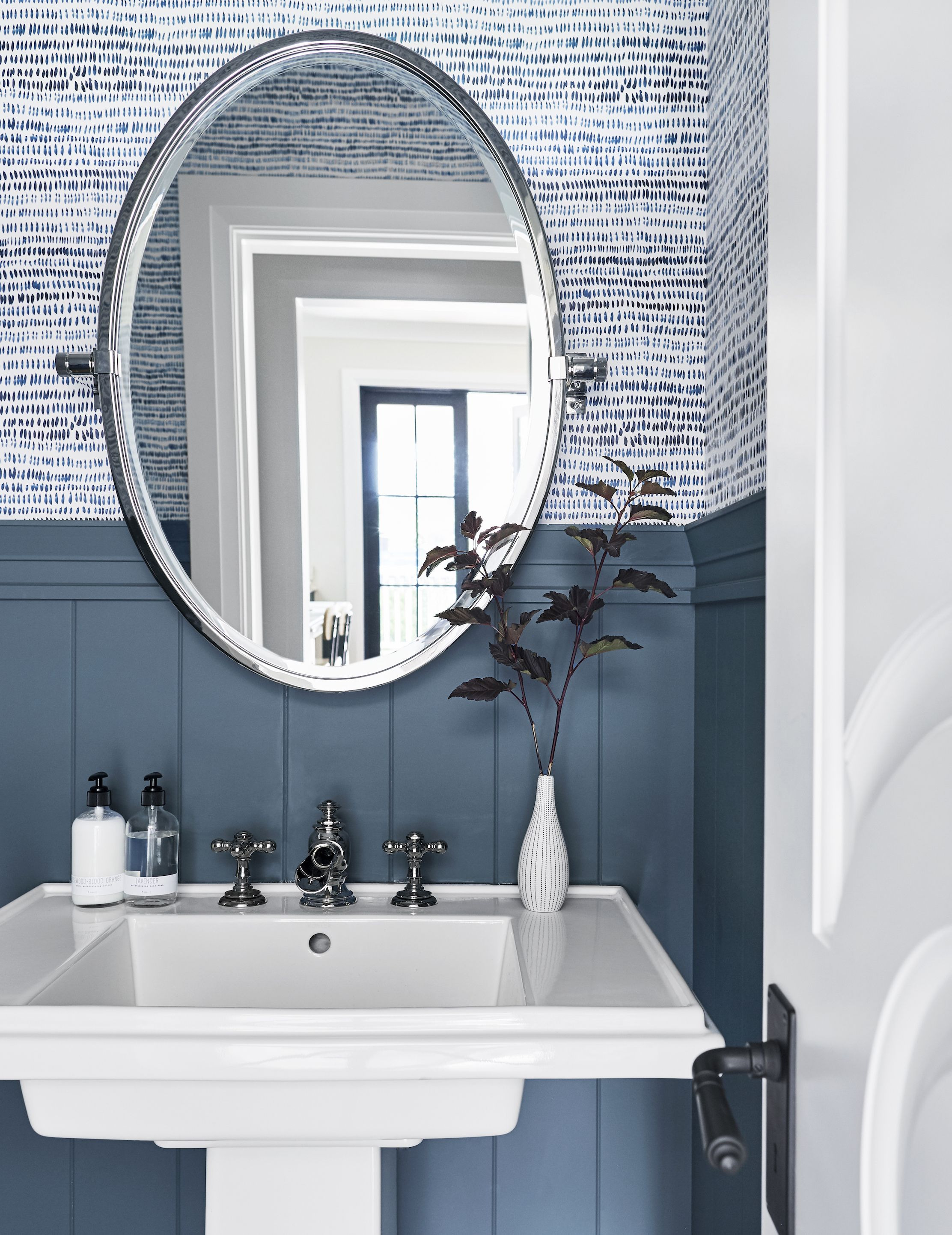 Bathroom Wallpaper Decorating Ideas Awesome 25 Bathroom Wallpaper Ideas Best Wallpaper for Bathrooms