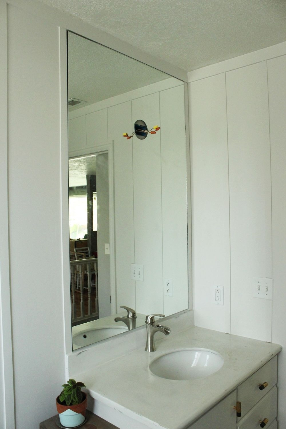 Decorative Mirrors for Bathrooms New How to Professionally Install A Bathroom Mirror
